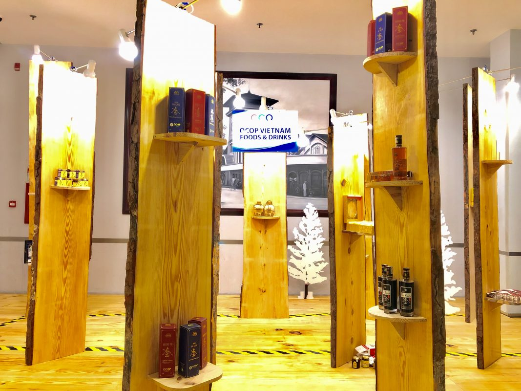 Trưng bày Rượu Mơ Yên Tử và Rượu Ba Kích Yên Tử tại triển lãm OCOP quốc tế 2019