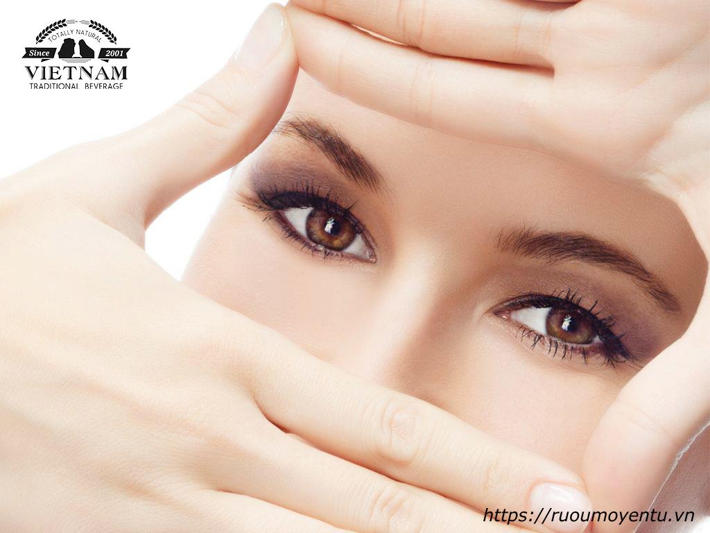 Thường xuyên sử dụng mơ giúp bảo vệ thị lực