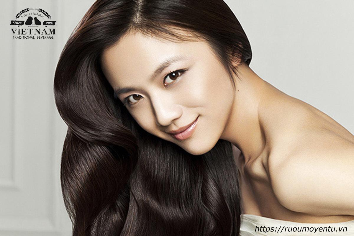 Vitamin E trong mơ giúp kích thích mọc tóc