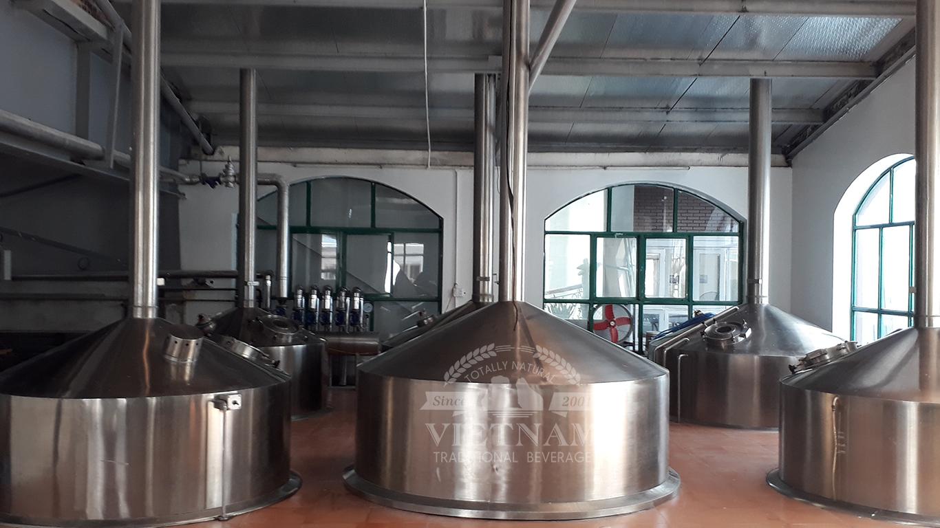 Rượu mơ Yên Tử được sản xuất với công nghệ tiên tiến
